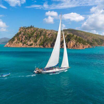 Sailing Whitsunday Islands