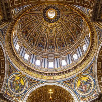 Tour the Vatican during Italy international education summer school program